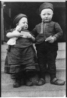 Copy of Dutch siblings