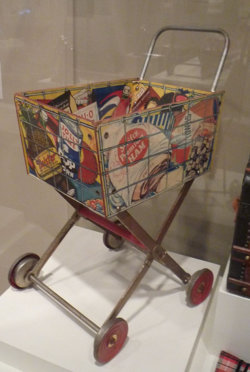 Shopping cart in gallery view two