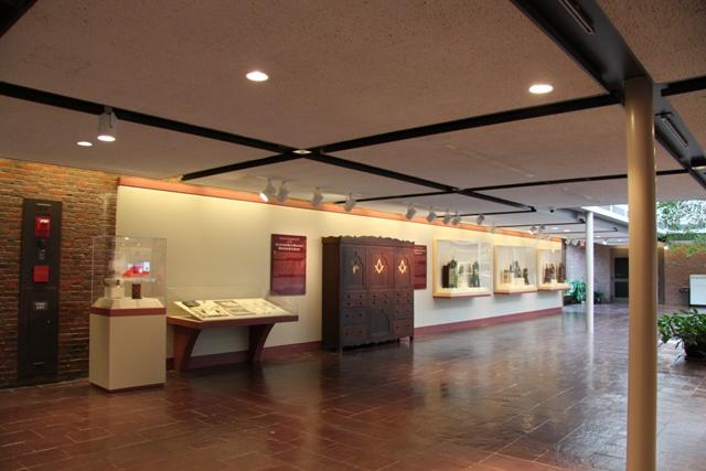Lobby 1-2012 v1